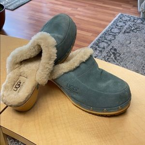 Ugg clog mules size 7